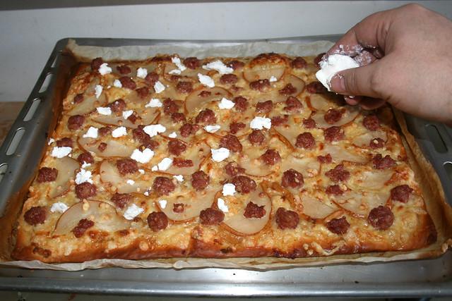18 - Ziegenfrischkäse hinzufügen / Add goat cream cheese