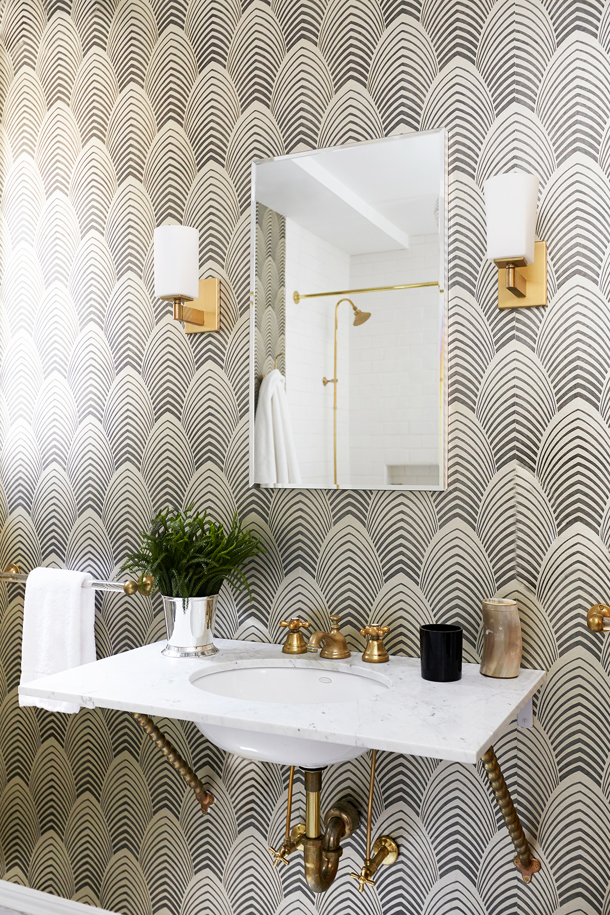 Eye-Catching Black and White Bathroom Wallpaper | Modern Bathroom Ideas | Wallpapered Inspiration | Bathroom that will make you want to renovate | Gold Bathroom Hardware