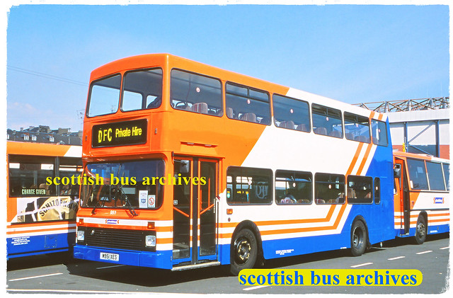 STRATHTAY BUS AND COACH 951 M951XES