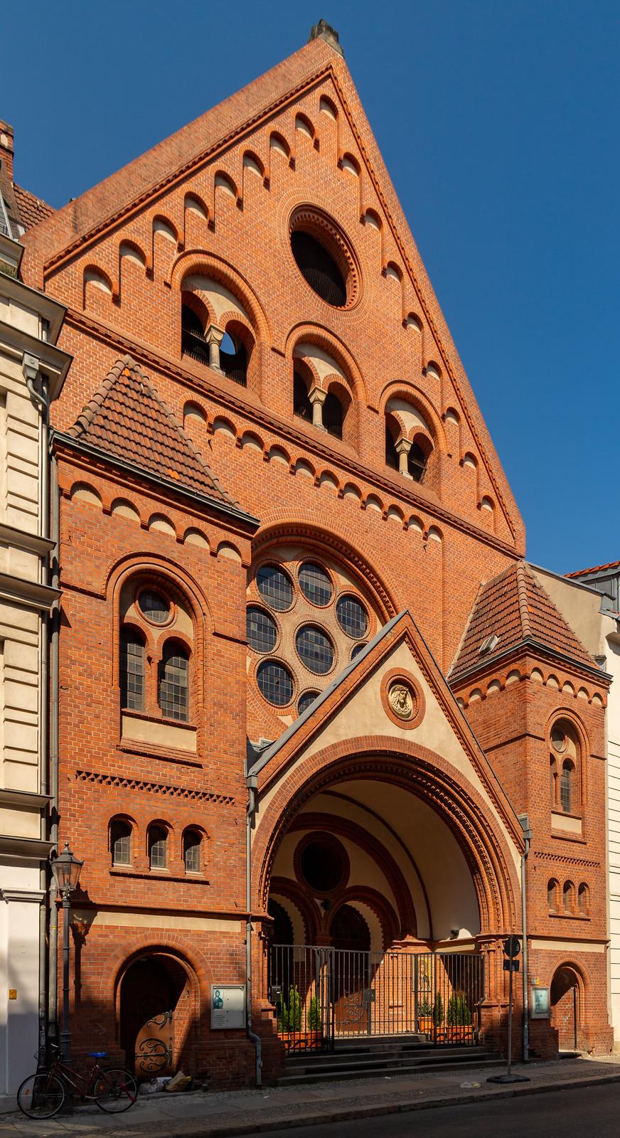 Die St.-Johannes-Evangelist-Kirche
