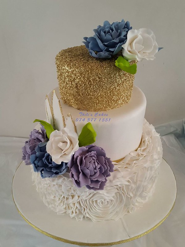 Cake by Thili's Cakes