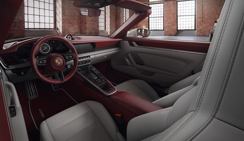 porsche-exclusive-two-tone-leather-interior-2