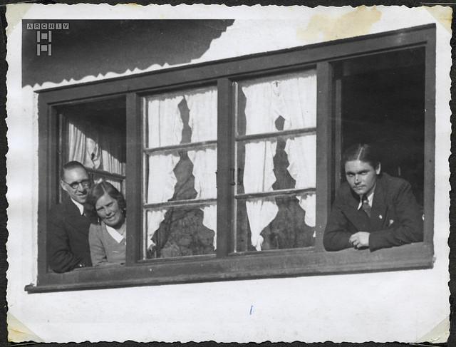 ArchivTappenW278 Familie in München, 1940er