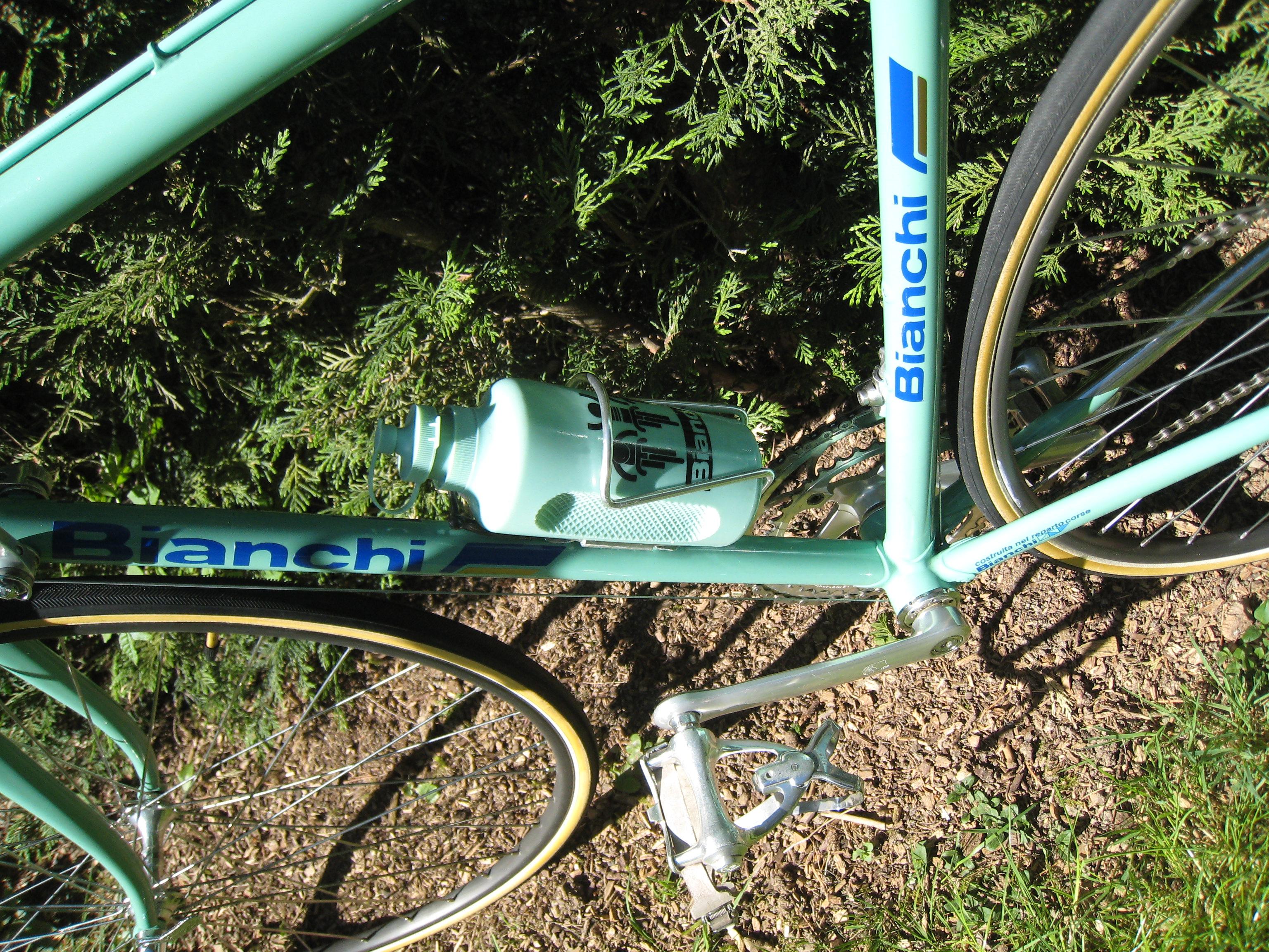 Ajout d'un Bianchi X4 1986 - Page 2 49801405717_91871aa28f_3k