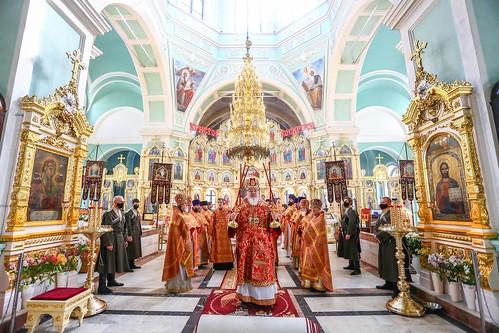 21 апреля 2020, Митрополит Кирилл совершил Божественную литургию во вторник Светлой седмицы