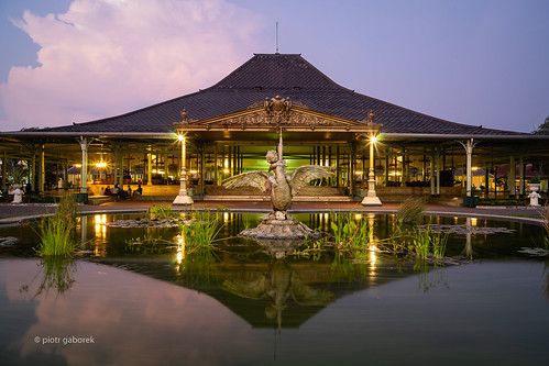 mangkunegaran palace indonesia indonesian surakarta java javanese royal evening sunset pond water reflection building architecture asia asian southeast pietkagab photography piotrgaborek travel trip tourism sightseeing cloud sky sonya7 adventure city old town
