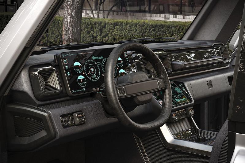 Mercedes-Benz-Lada-Niva (9)