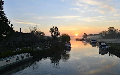 nikond850 nikonafsnikkor1635mmf40gedvr riverthames dawn oxfordshire sunrise spring bekind