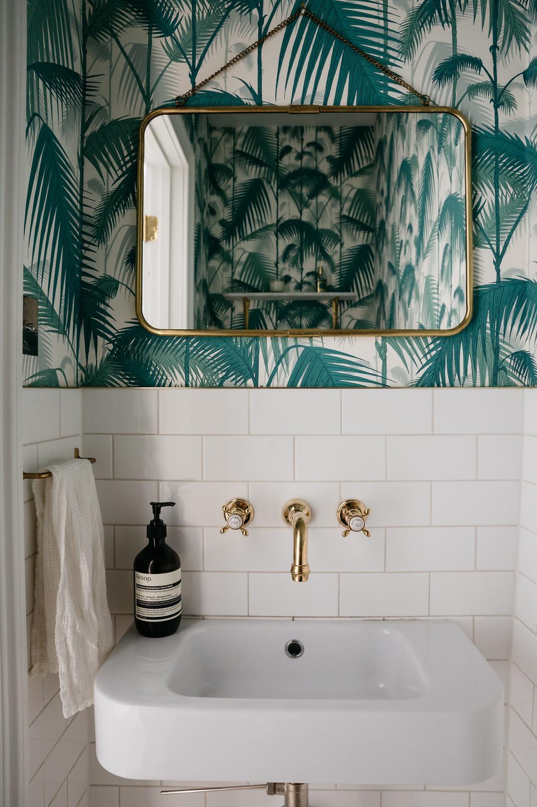 Green Teal Palm Print Wallpaper | California Cool Bathroom Inspiration | Colorful Wallpapered Bathroom | Green Powder Room Ideas | Gold and Green Bathroom