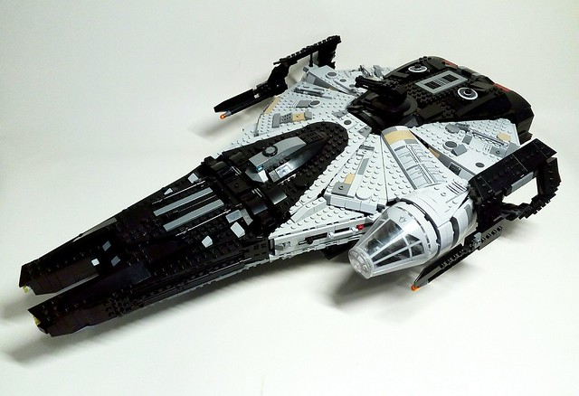 Custom Solo Millennium Falcon ship, alternate build