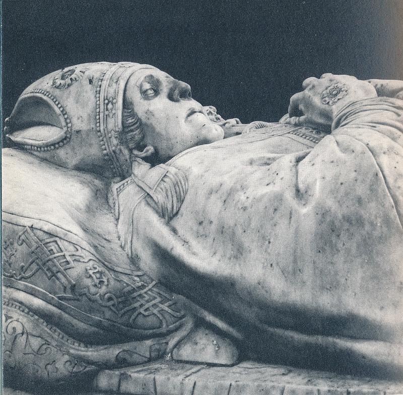 Sepulcro del Cardenal Tavera en Toledo hacia 1970. Fotografía de Mario Carrieri.