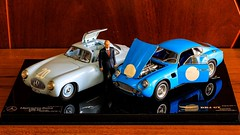 Vladimir Vladimirovich Putin & Aston Martin DB4 GT Zagato, 1961 (CMC 1/18) >< Mercedes-Benz 300SL (W 194), (CMC 1/18)