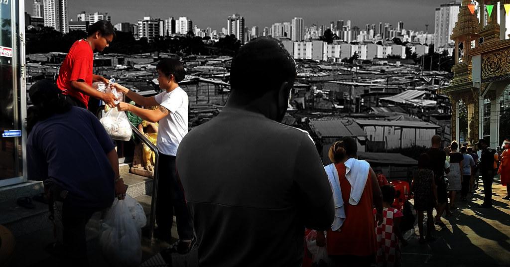 ถึงเวลาพระอุปถัมภ์โยม: สำรวจสถานการณ์คนจนเมืองผ่านโรงทาน (ออนไลน์)