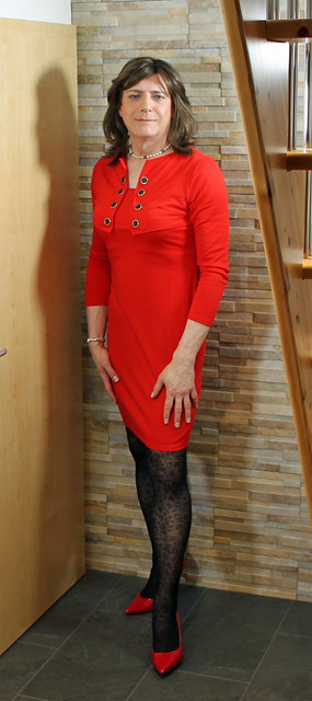 Lady in red 01