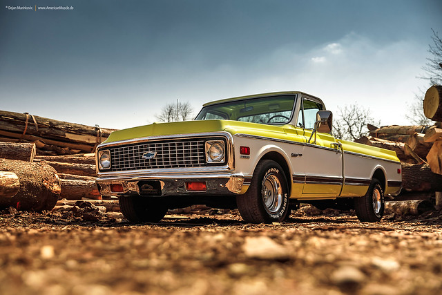 1972 Chevrolet C10 Custom Deluxe - Shot 5