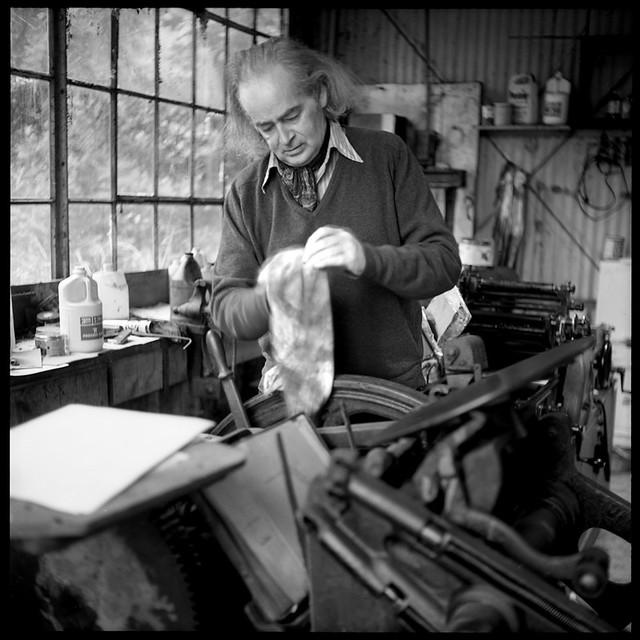 George Hitchcock at his Printing Press, 1973, no. 73120910