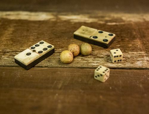 dominoes_02