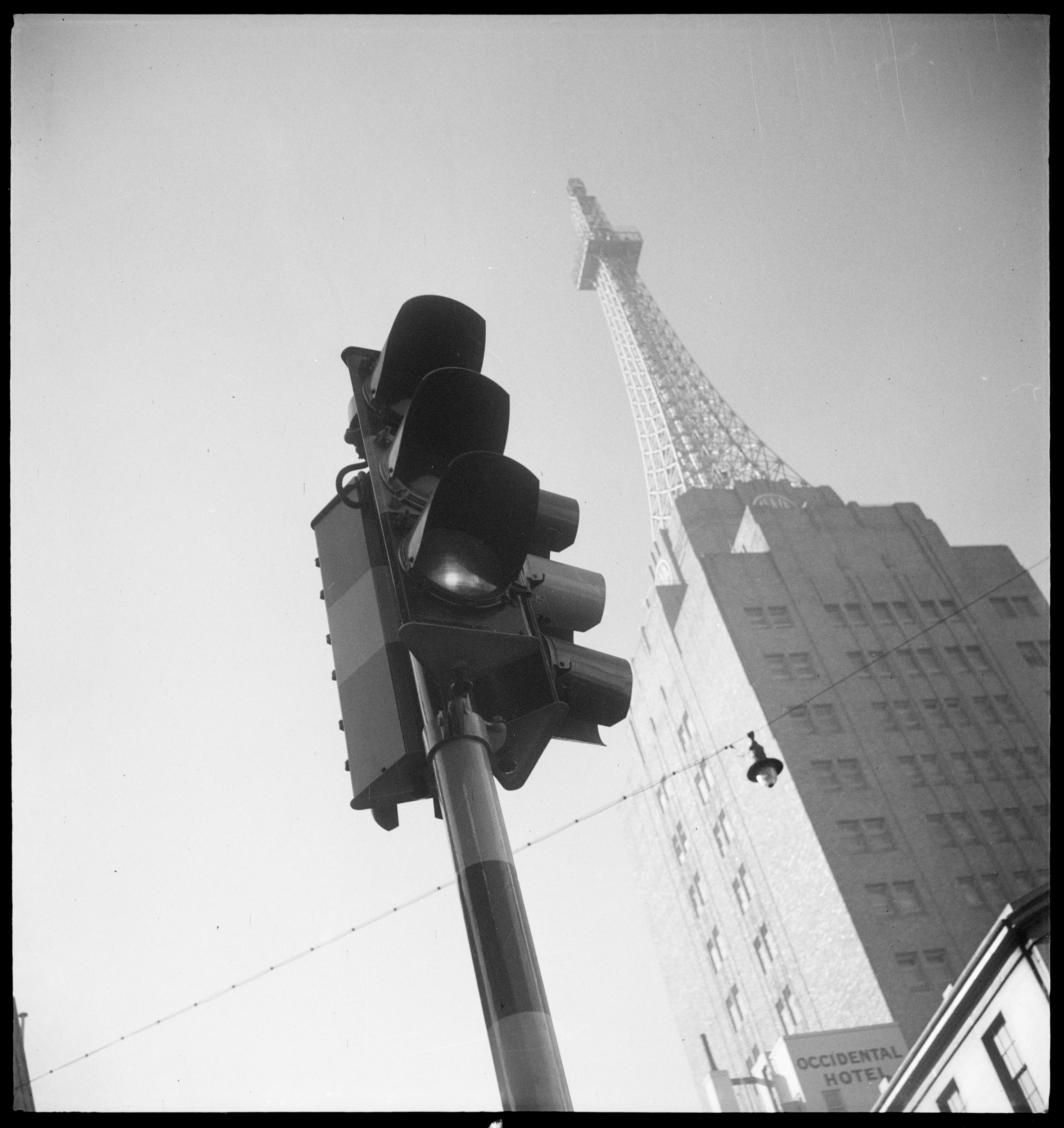 AWA building and traffic light, York Street, Sydney, ca. 1938, by Max Dupain, State Library of New South Wales