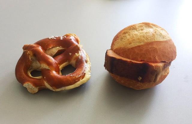 Butter pretzel & meatloaf bun / Butterbretzel & Leberkässemmel