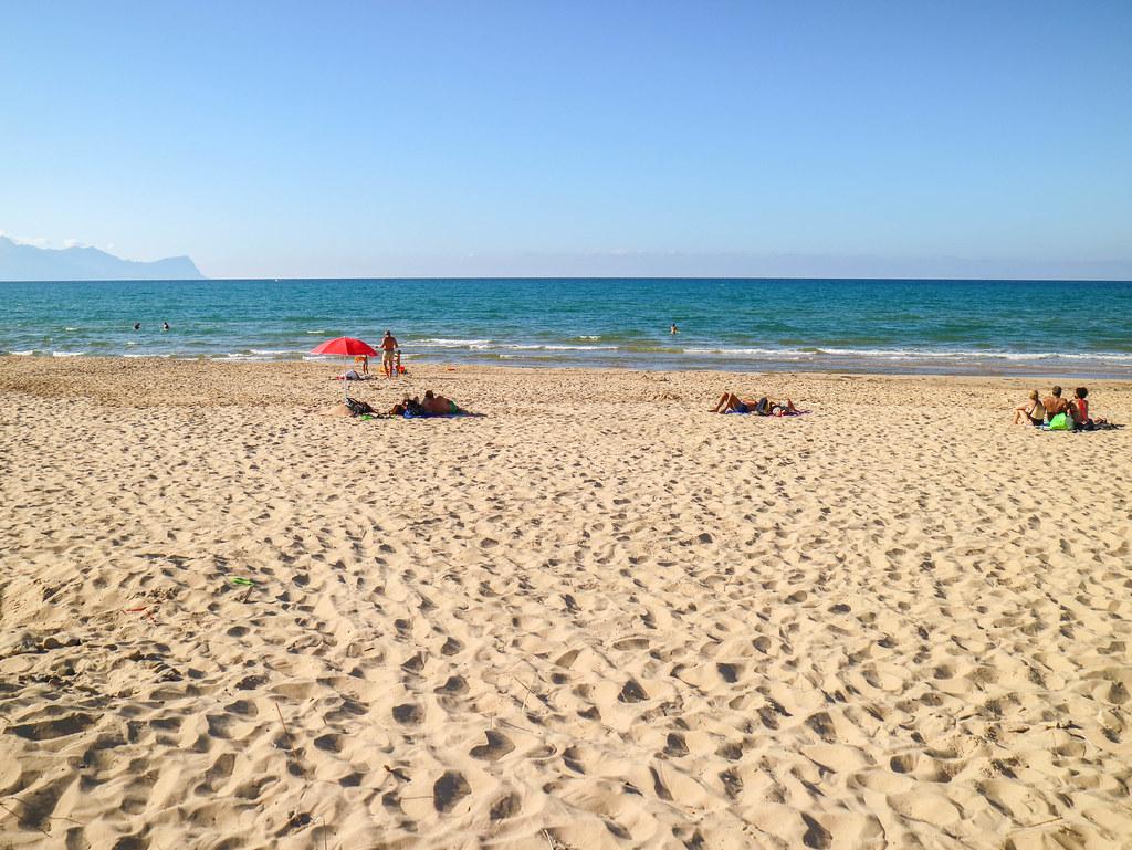 La playa de Balestrate es una de las mejores playas en Sicilia