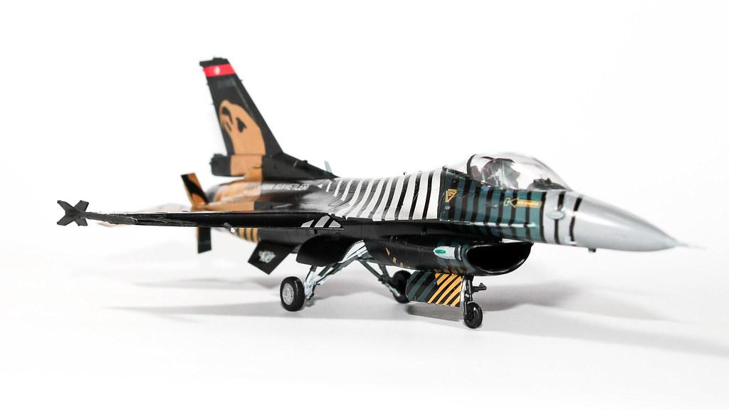 F16 SOLOTURK-8