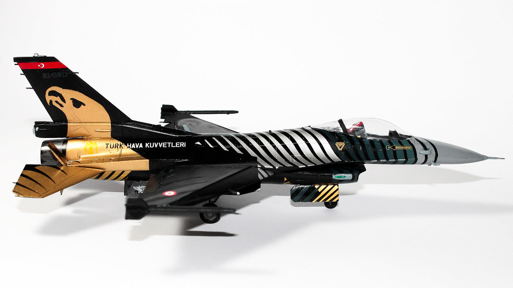 F16 SOLOTURK-7