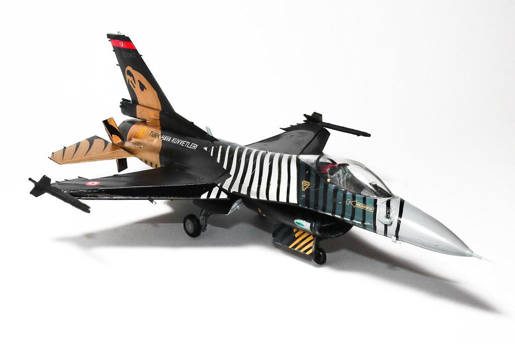 F16 SOLOTURK focus stack