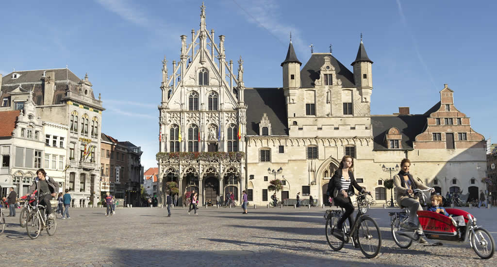 Bezienswaardigheden Mechelen: Grote Markt | Mooistestedentrips.nl