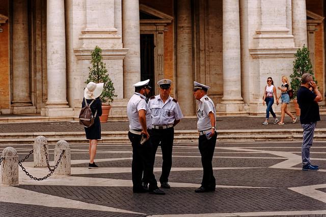 Rome Capitol Square /  Conversation