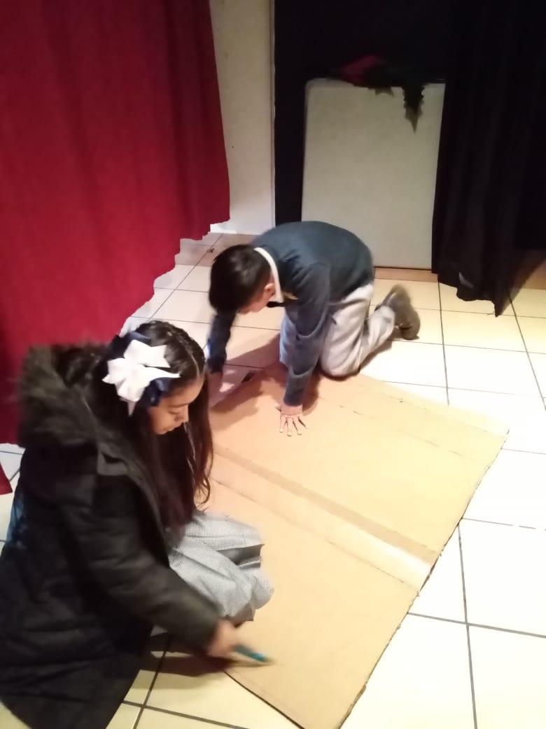 6to año, Diseñando escenografía para nuestra obra de teatro
