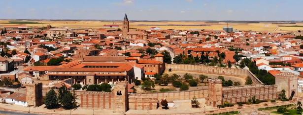 Imagen aérea de Madrigal de las Altas Torres en Ávila
