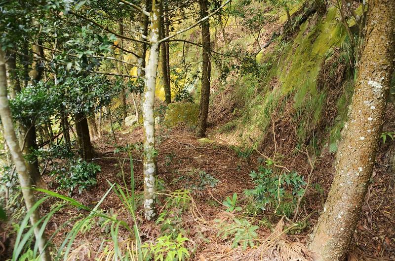 石觀音山崖壁間平台