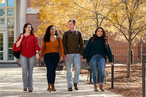Students walk on the campus of Auburn