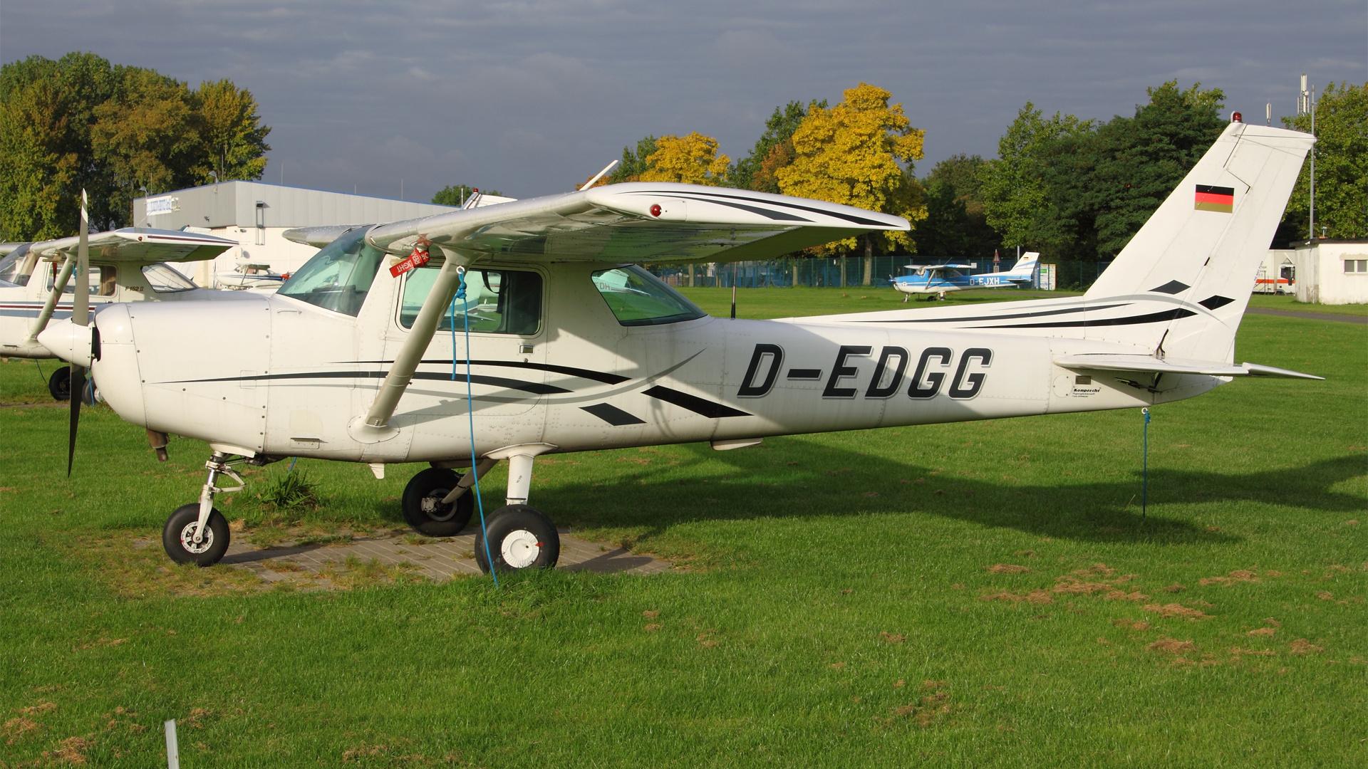 D-EDGG-1 C152 ESS 201109