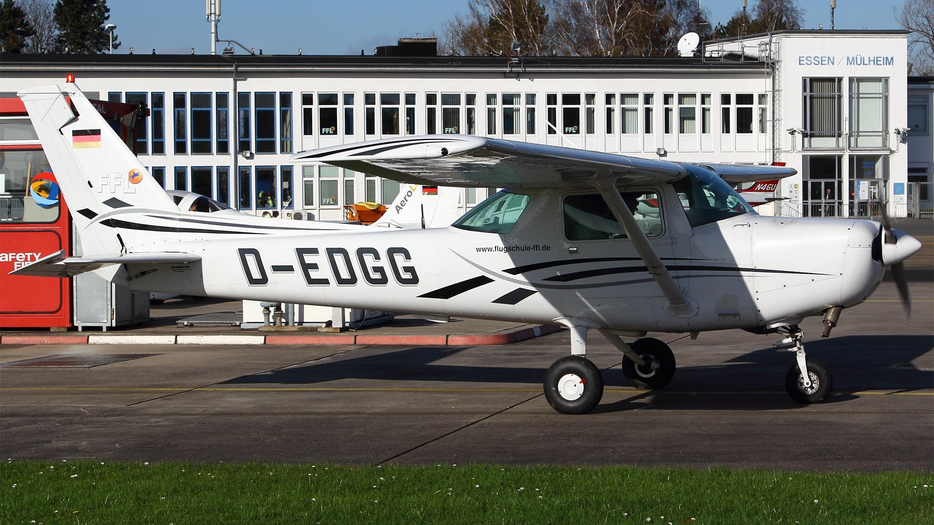 D-EDGG-1 C152 ESS 201411