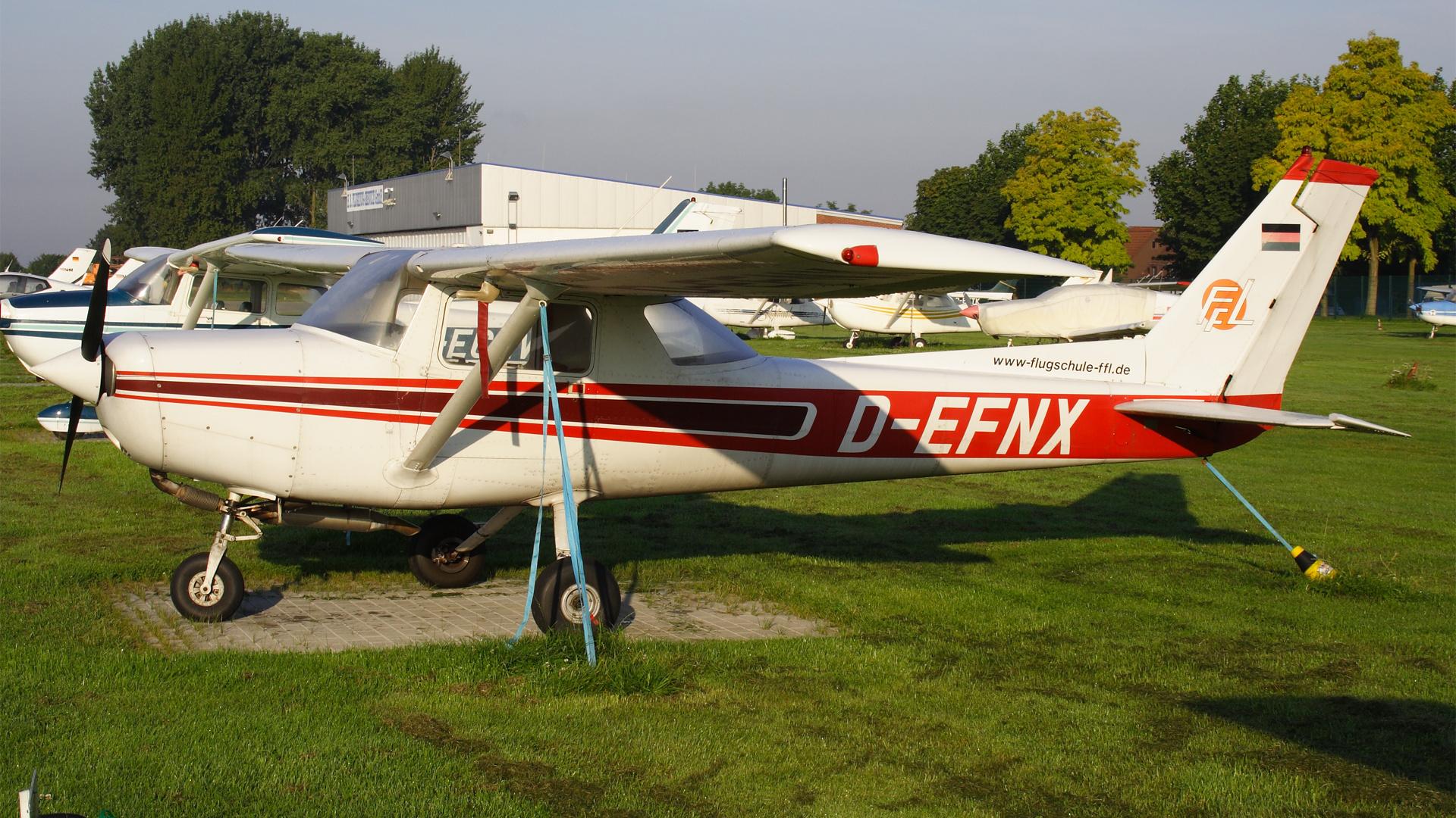 D-EFNX-1 C152  ESS 200808