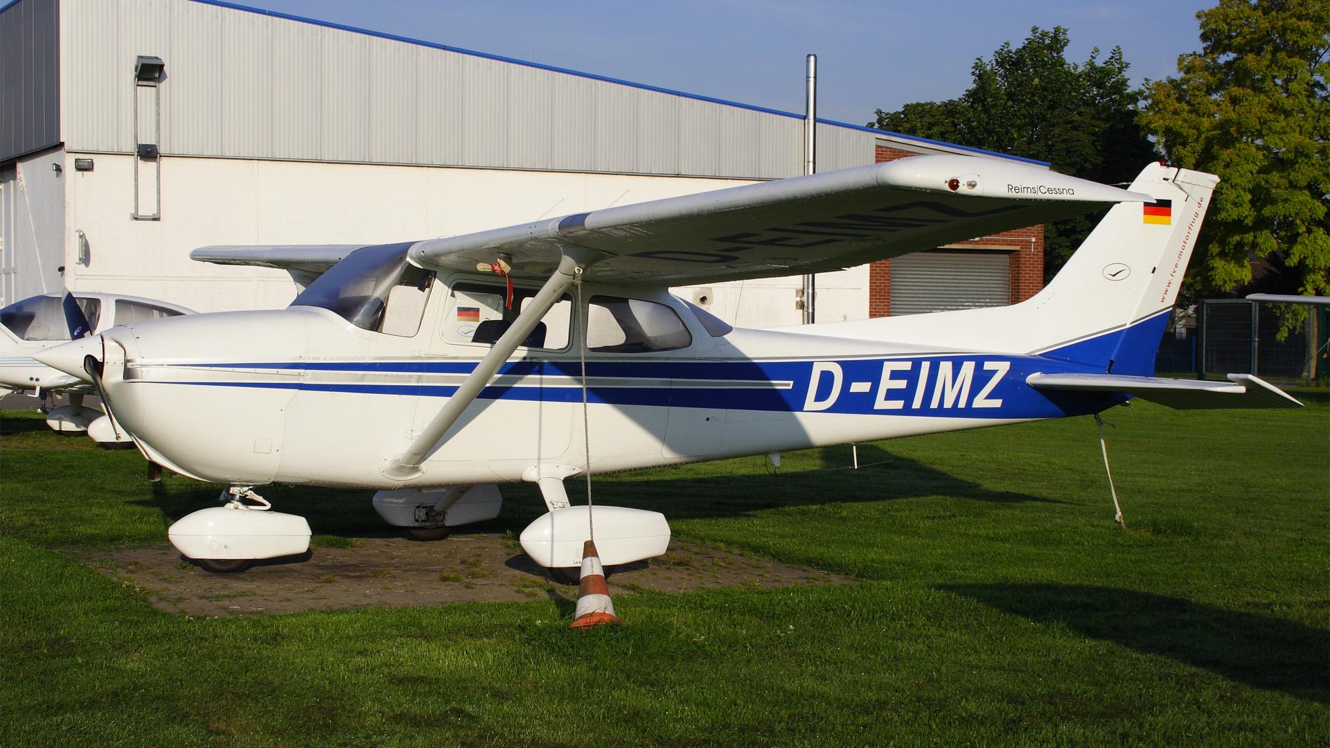 D-EIMZ-1 C172  ESS 200808