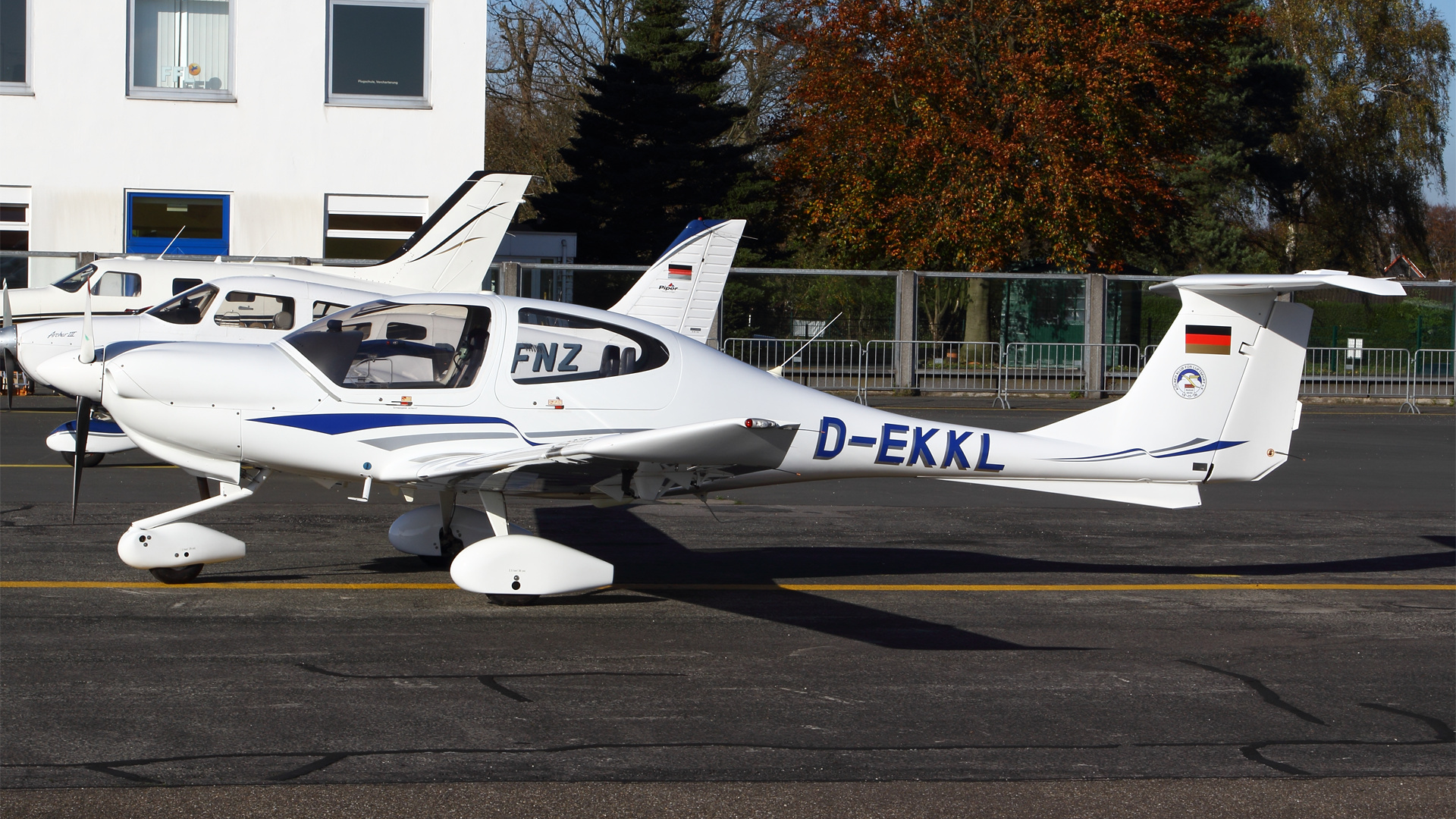 D-EKKL-1 DA40 ESS 201411