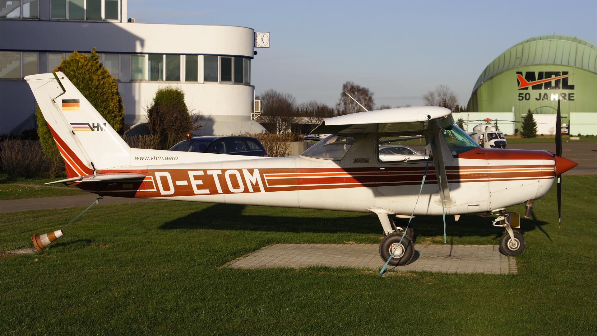 D-ETOM-1 C152 ESS 200803