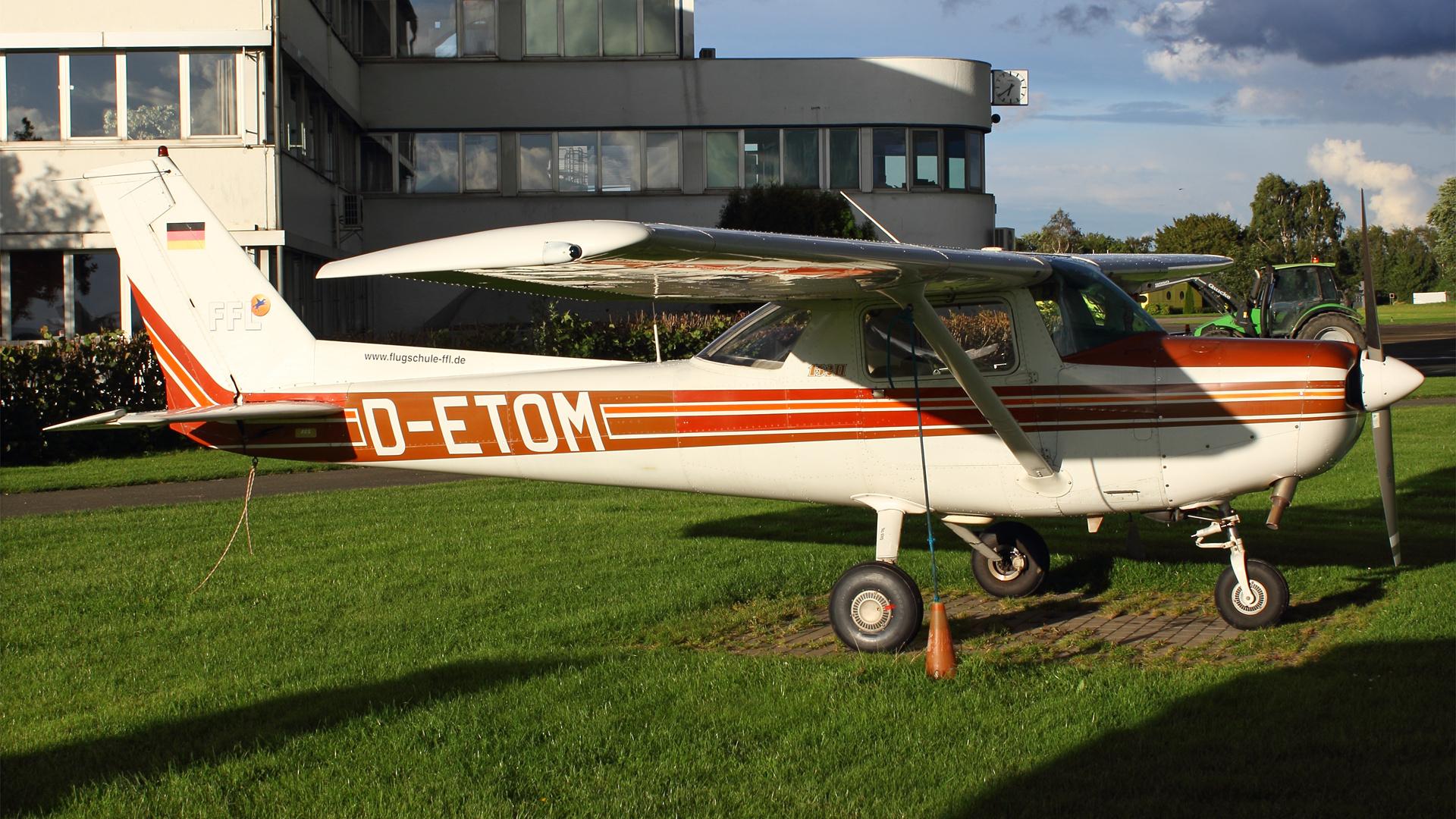 D-ETOM-1 C152 ESS 201509