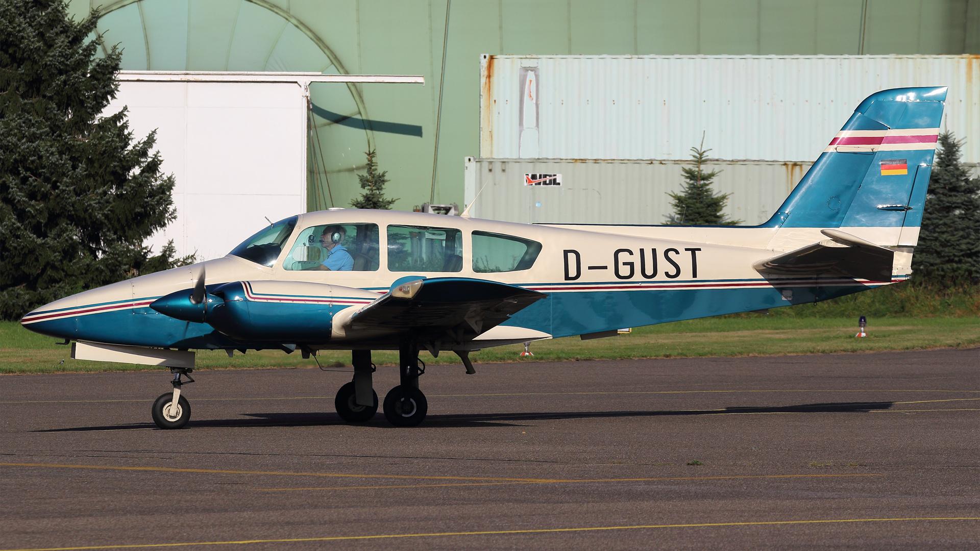 D-GUST-1 Grumman GA-7 Cougar ESS 201609
