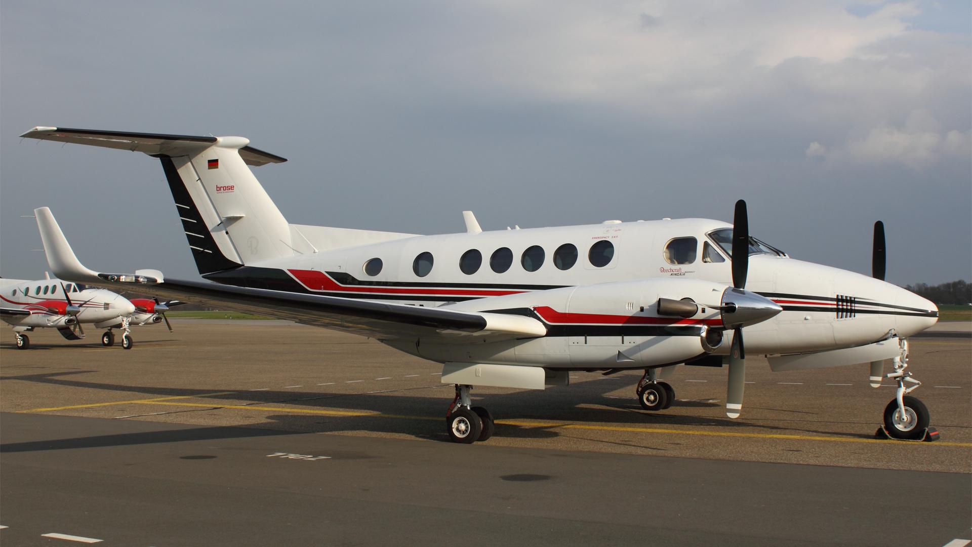D-IBTA-1 B200 ESS 201103