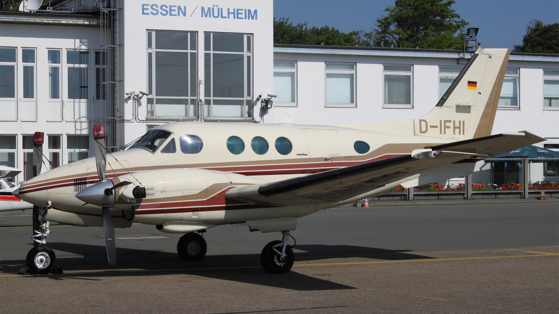 D-IHFI-1 B90 ESS 201107