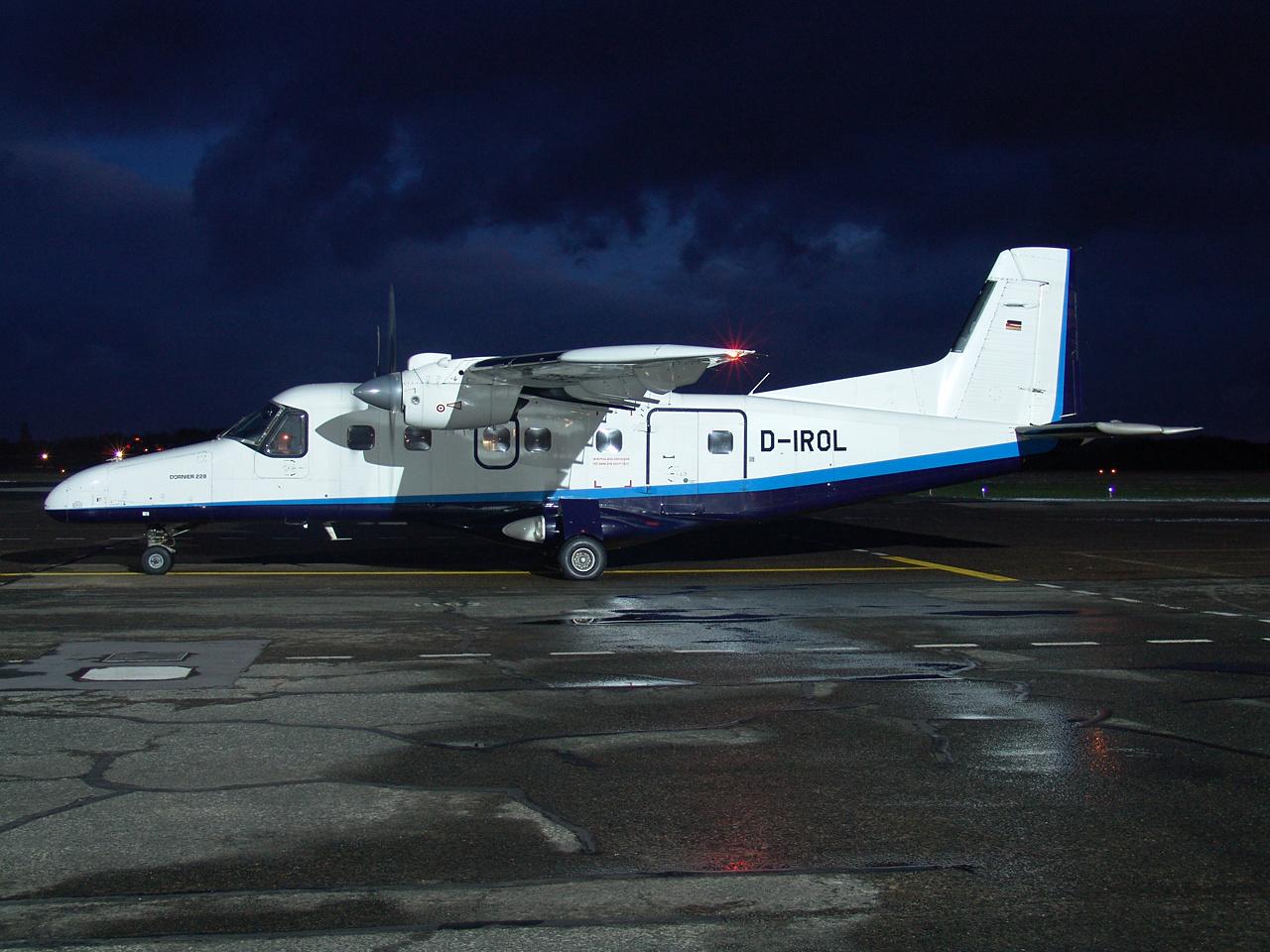 D-IROL-1 DO228 ESS 200501