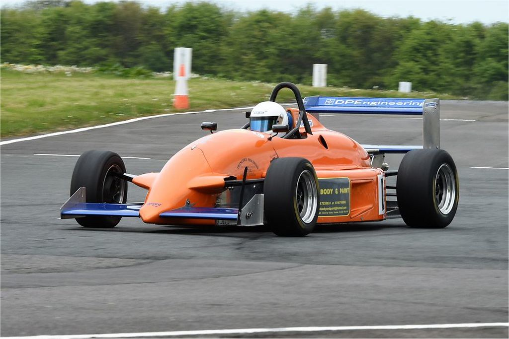 Gary Buckingham's Reynard FVL at Llandow (T Smith)