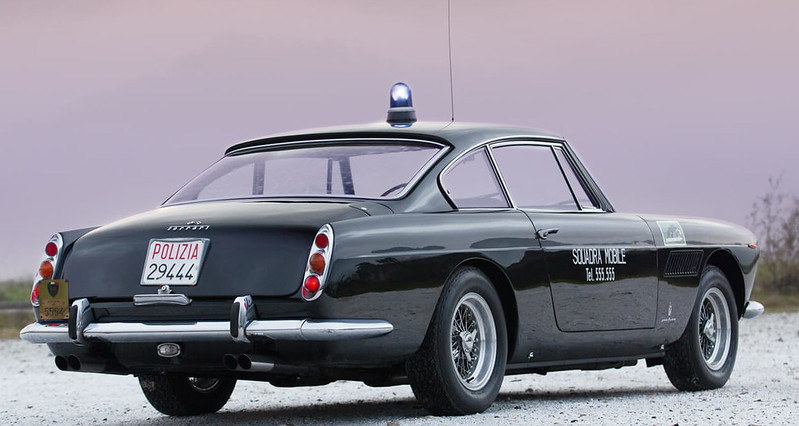 ferrari-250-gte-police-car (10)