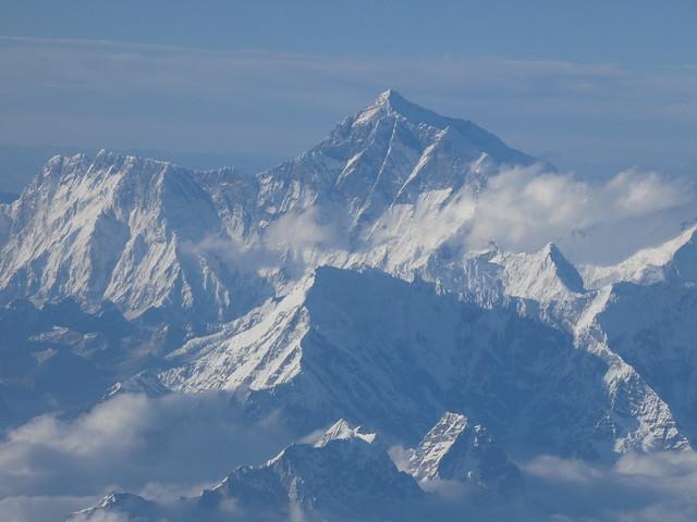 Cordillera del Himalaya (vistas desde el vuelo entre Katmandú (Nepal) y Paro (Bután)
