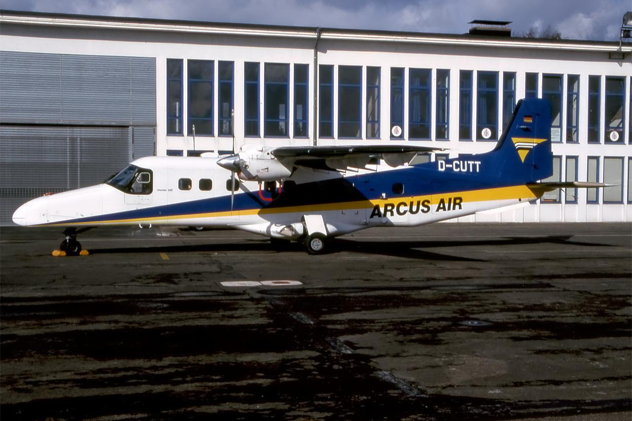 D-CUTT-1 DO228 ESS 199802