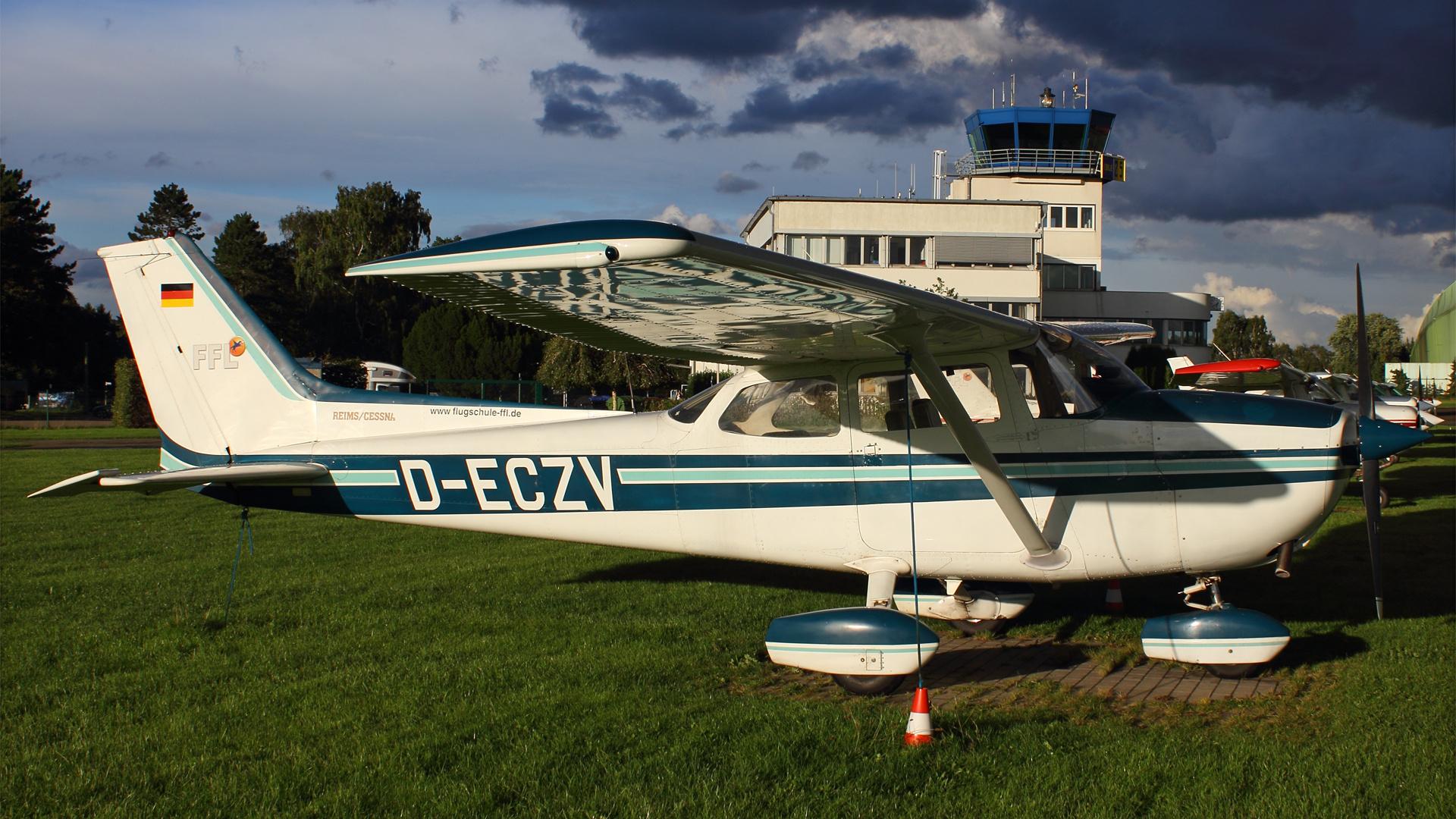 D-ECZV-1 C172 ESS 201509