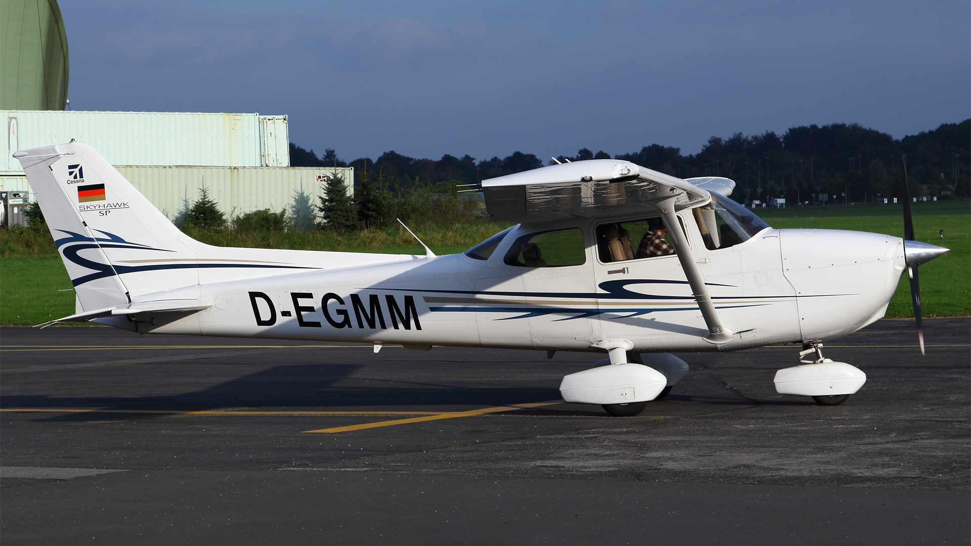D-EGMM-1 C172 ESS 201409
